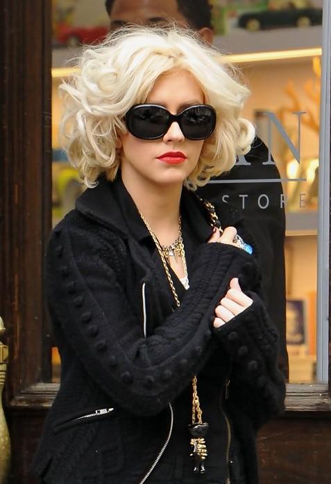 Christina Aguilera Short Curly Bob Hairstyle Hairstyles