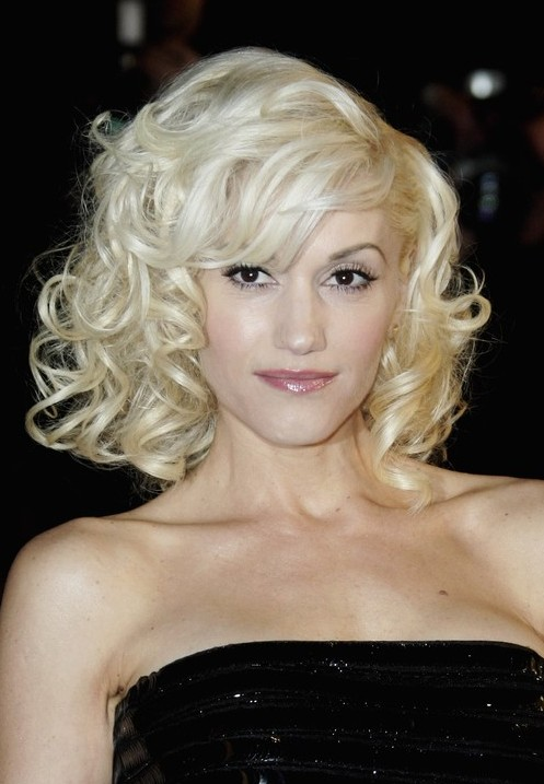 Gwen Stefani Hairstyle Medium Blonde Curly Hairstyle With