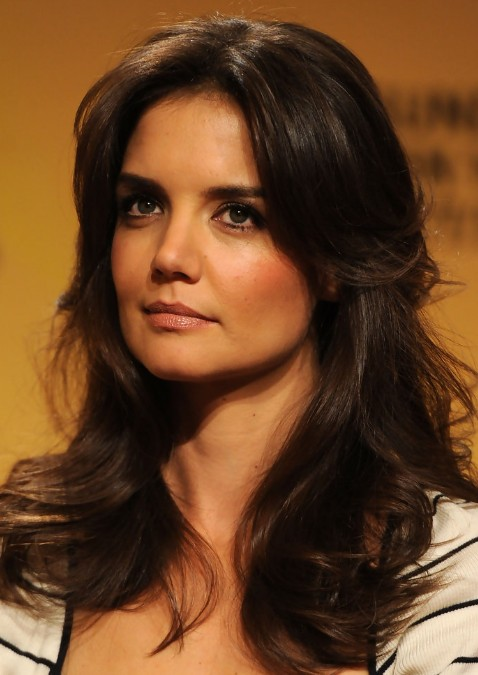 Katie Holmes Layered Long Wavy Hairstyle Hot Moms Haircut