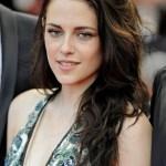 Kristen Stewart Loose Wavy Hairstyles