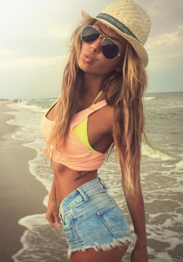 Cute Soft Beachy Waves for Summer