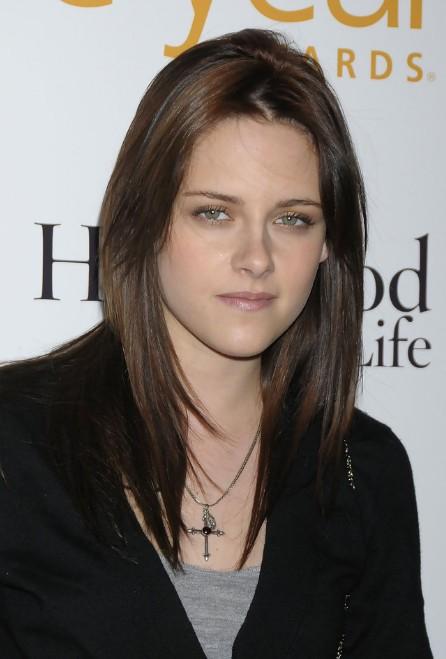 Kristen Stewart Haircut Sexy Center Parted Long Straight