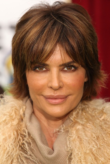 Lisa Rinna Layered Shaggy Hairstyle for Women