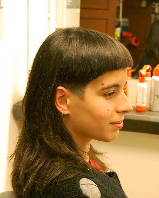 Stright Hair Cut: Dramatic Long And Short Haircut With Bangs