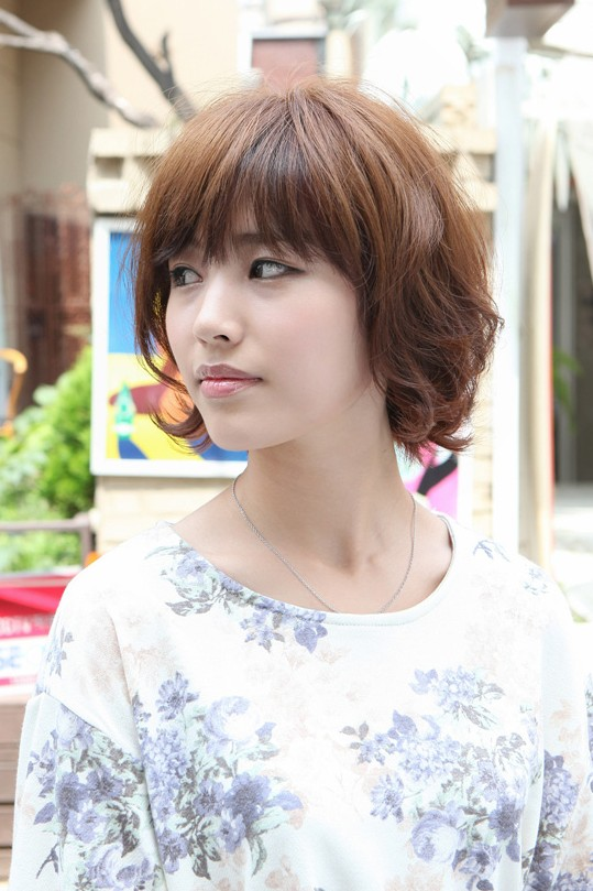 Layered Short Asian Bob Haircut: Cute Japanese Hairstyles 2013