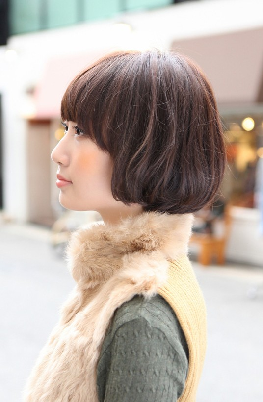 Side View of Cute Asian Bob Hairstyle
