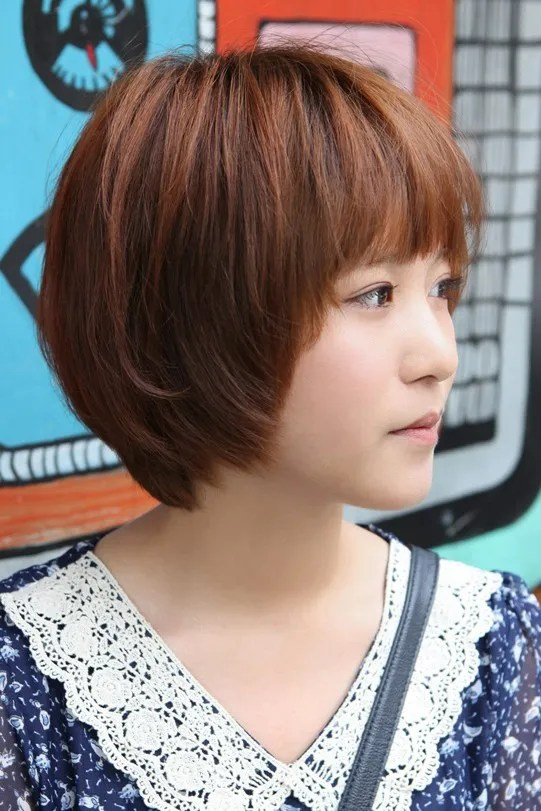 Sweet Layered Short Korean Hairstyle - Side View of Cute Bob Cut