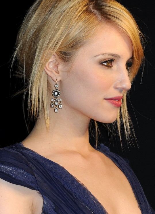 Side view of short sleek hairstyle - Dianna Agron hairstyle