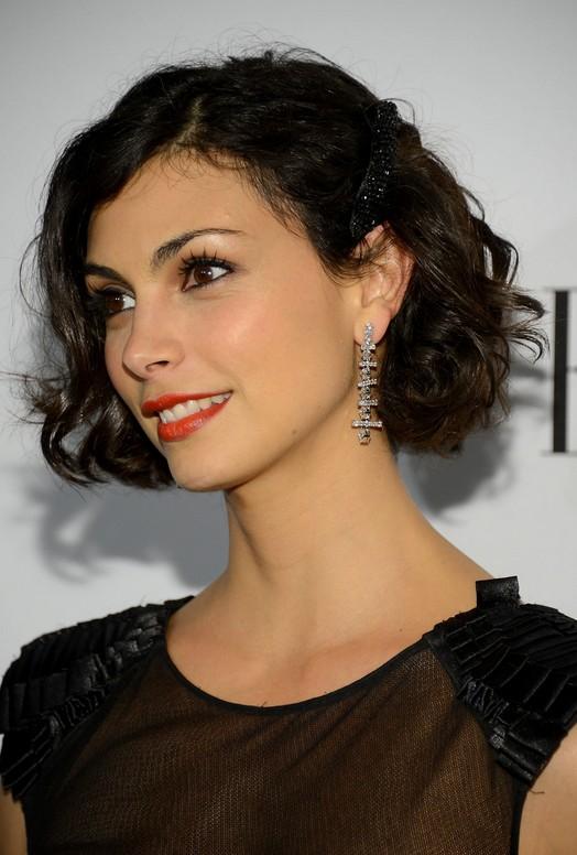 Short black wavy bob haircut for women - Morena Baccarin hairstyle