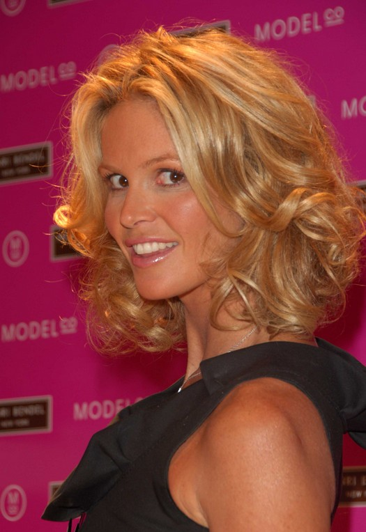 Sexy Shoulder Length Soft Curly Hairstyle for Thick Hair - Elle MacPherson's Hairstyle