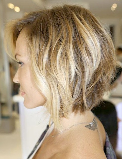 Side View of inverted bob with loose waves