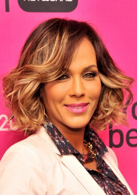 Nicole Ari Parker Short Hair Style for 2015 - Layered Short Wavy Hairstyle for Thick Hair