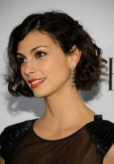 Morena Baccarin Short Hair Style - Chic Short Brown Wavy Hairstyle