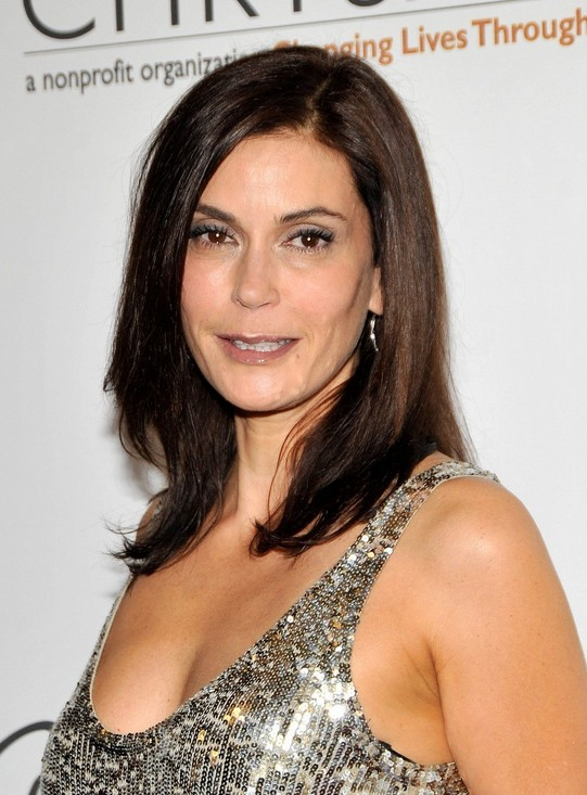Medium Hairstyles Teri Hatchers Shoulder Length