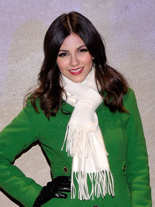Victoria Justice Long Wavy Hairstyles