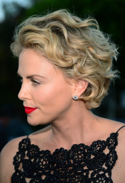 Charlize Theron Short Curly Hairstyle for Prom