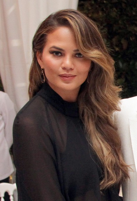 Chrissy Teigen Side Sweep Hairstyle for Thick Hair