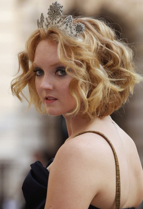 Lily Cole Short Wavy Curly Hairstyle for Wedding