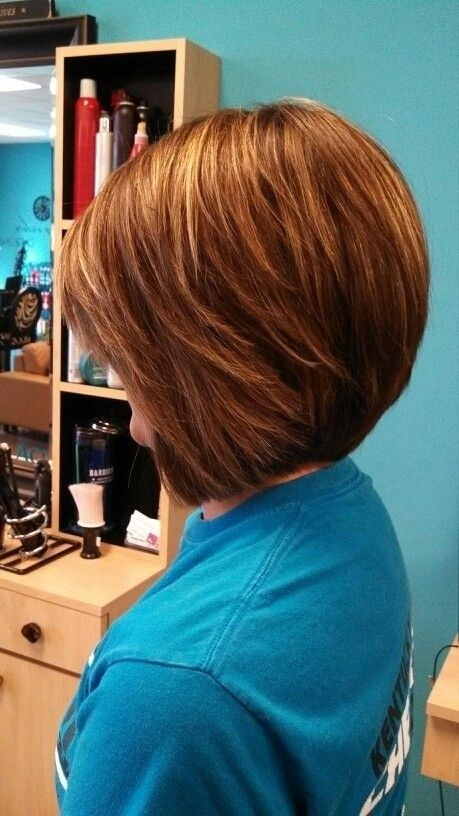 Side View of Simple easy daily bob hairstyle for short hair