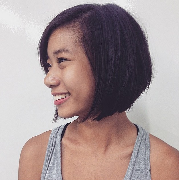 Cute graduated bob hairstyle for Asian girls