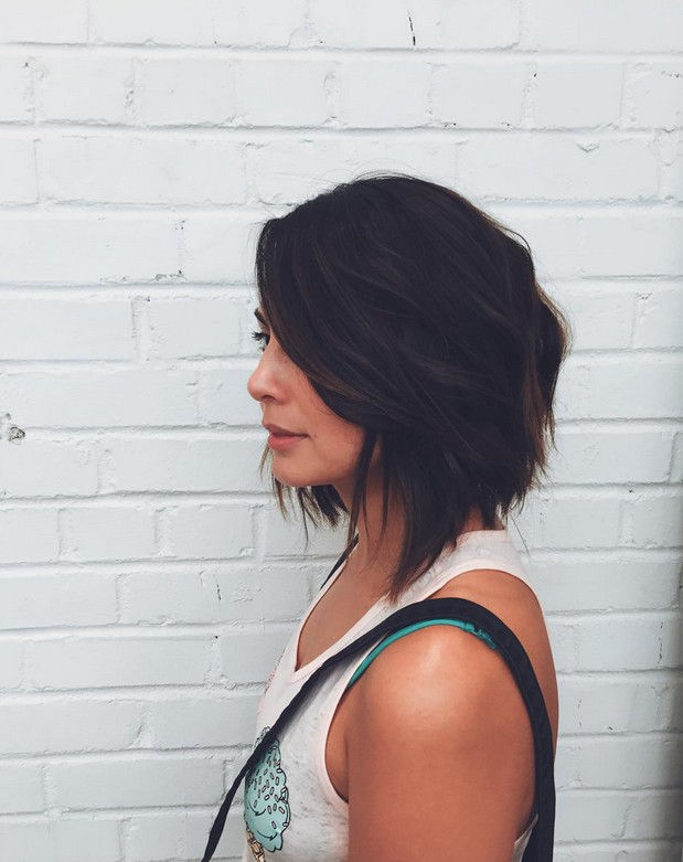 textured graduated bob hairstyle for shoulder length hair