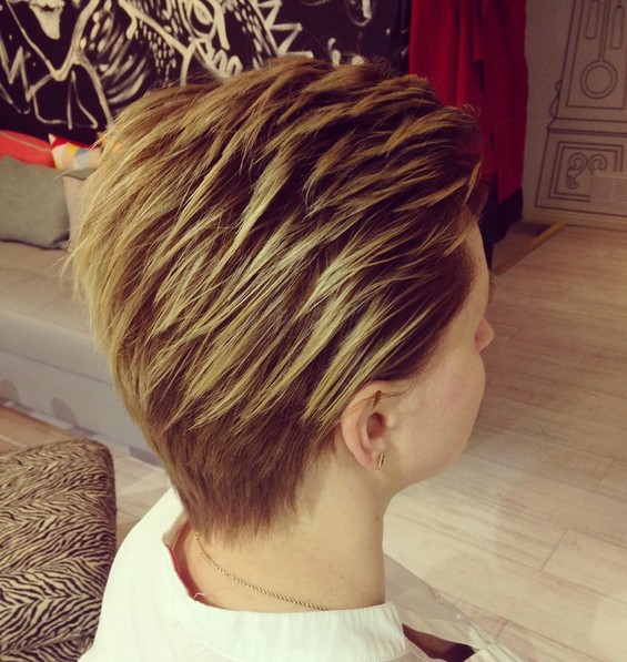 Trendy Layered Pixie Hair Cuts - Woman Short Hairstyle Ideas