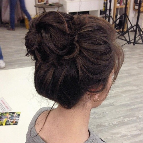 20 Fun Top BunsKnots For Summer Hairstyles Weekly