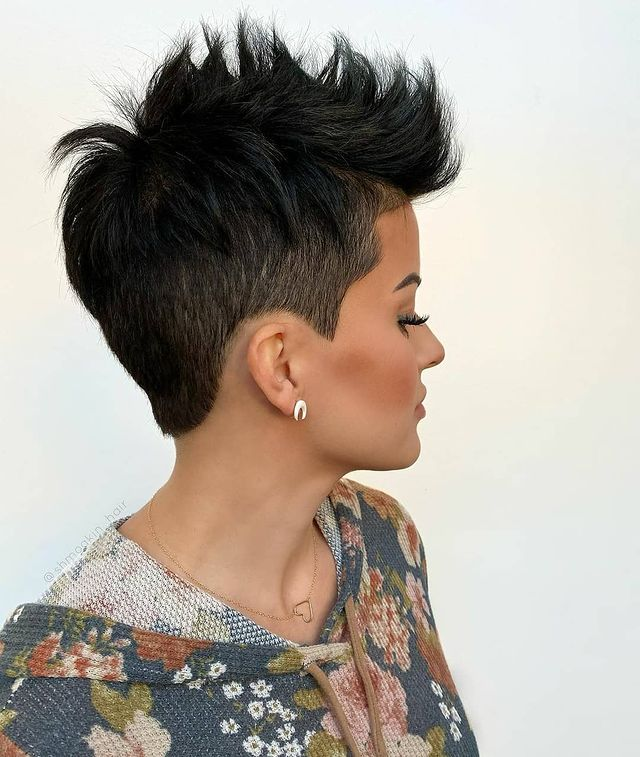 Pixie Haircuts for Round Faces