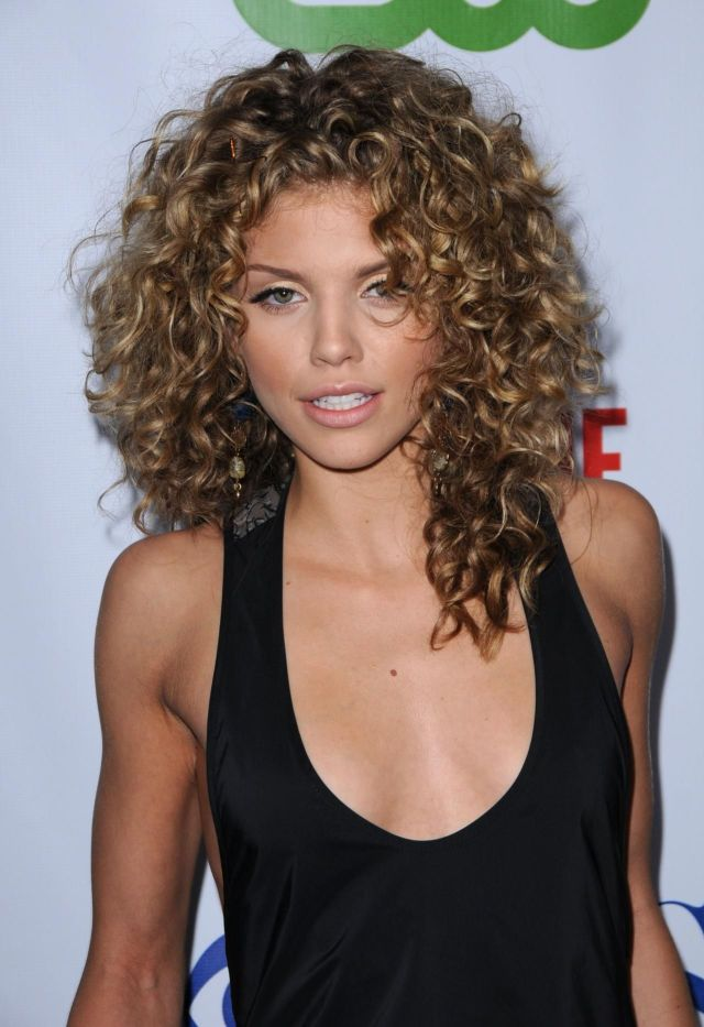 10 Celebs with Gorgeous Natural Curls!