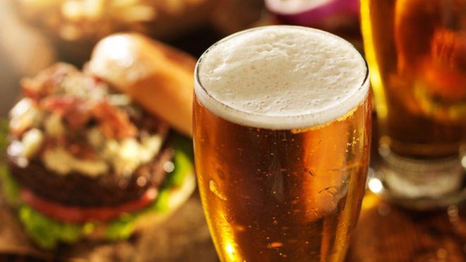 93343882 thinkstockphotos 533368155 1 - Alcohol flips brain into hungry mode
