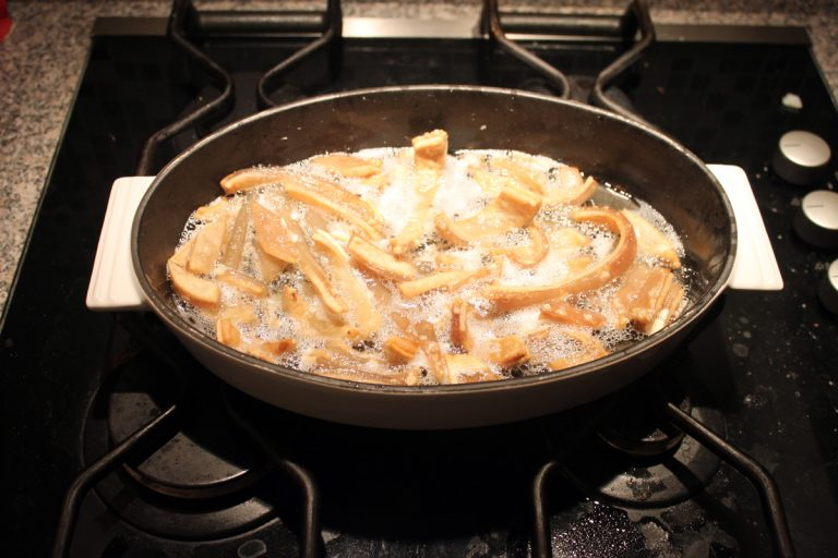 how to make pork scratchings b05 lge 768x512 - News Archive: 2005 - 2013