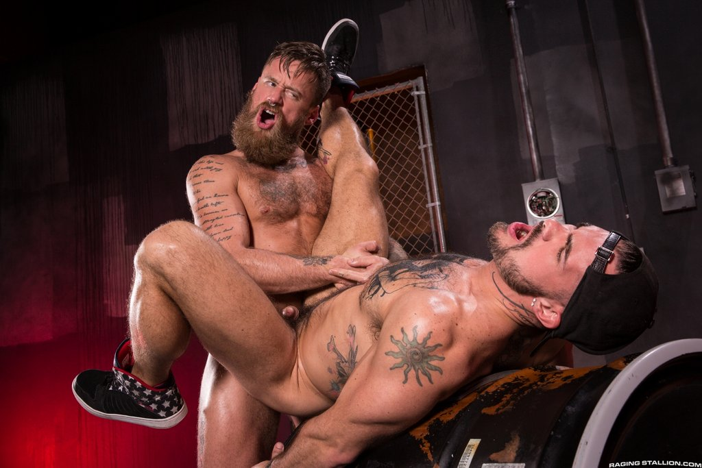 Bearded Stud Hoytt Walker Drills Aarin Asker 03