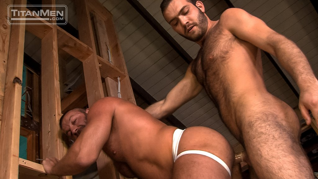 Hairy Guy Adam Thicke Fucks Hunter Marx Hard 04