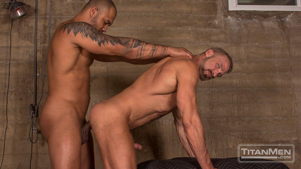 Jason Vario Bangs Dallas Steele 03