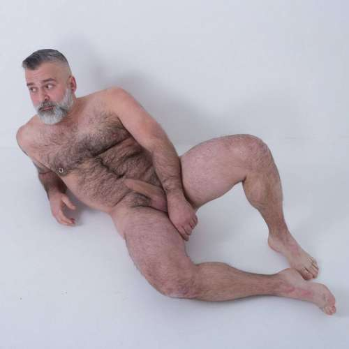 hot daddy tom carlton gets naked