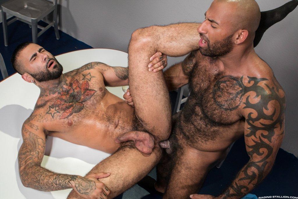 Hairy Guys Rikk York and Daymin Voss Flip Fuck 01