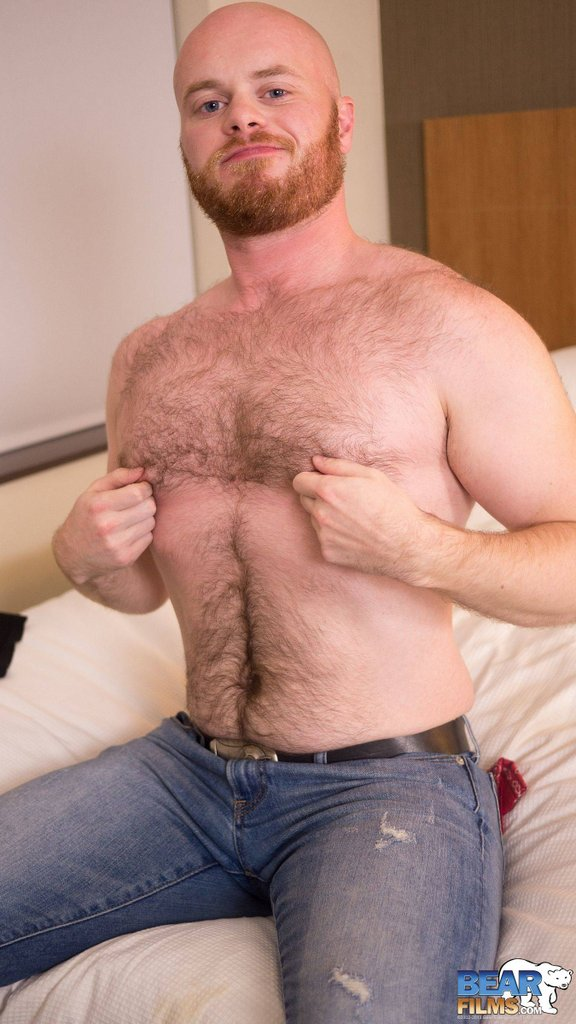 Ginger Bear Cub Chris Wydeman Gets Nude 03