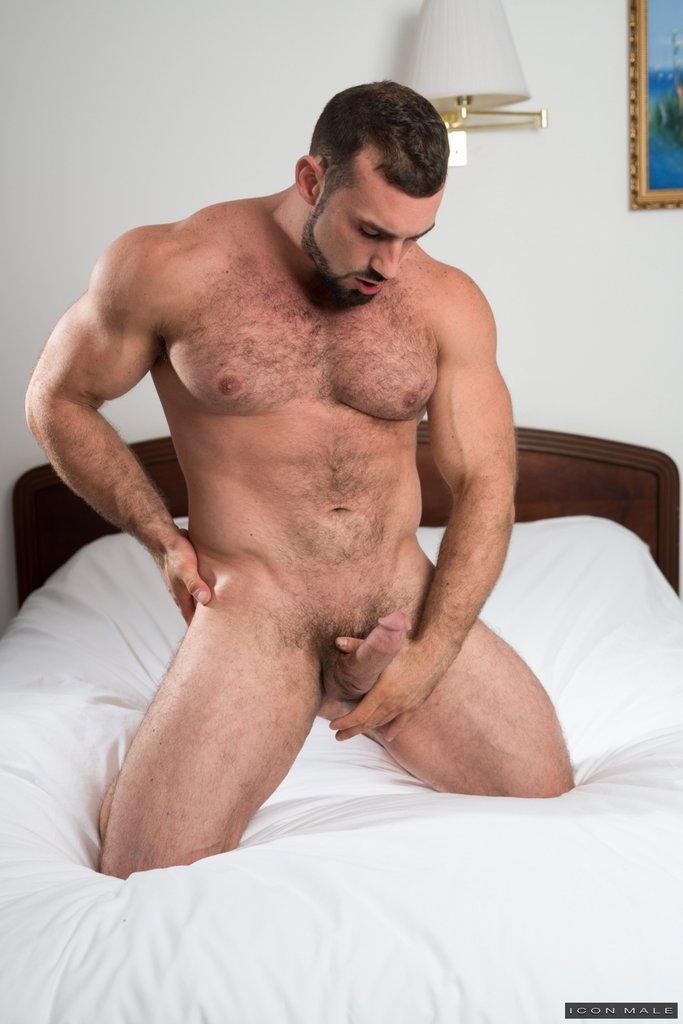 Horny Daddy Jaxton Wheeler Shows Off 14