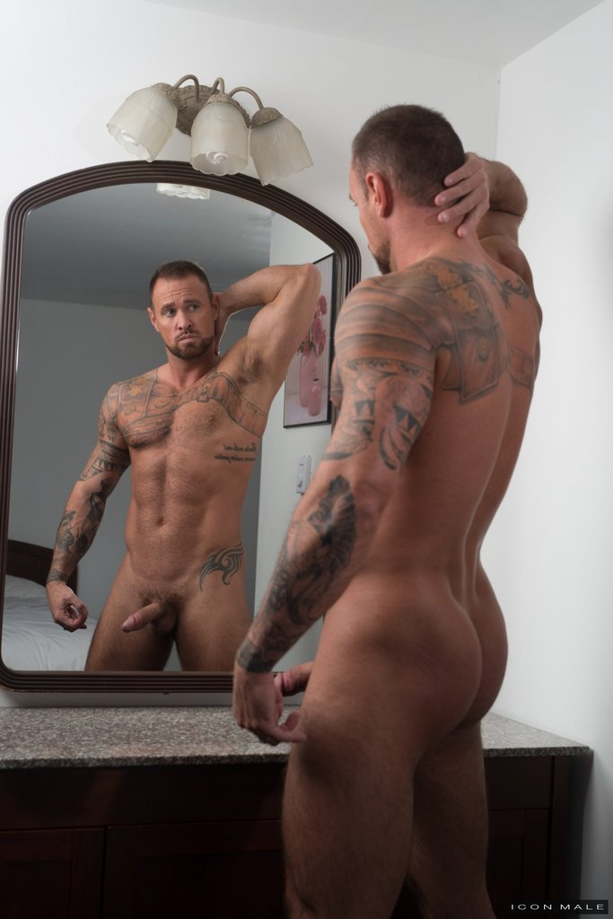Sexy Daddy Michael Roman Gets Naked 13
