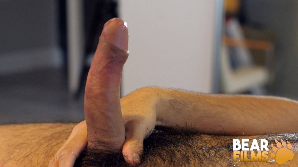 Hairy Guy Avi Strider Jerks off 14