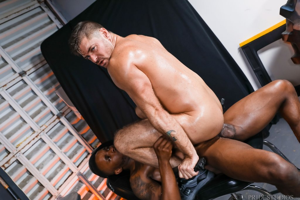Phoenix Fellington Fucks Jack Andy Deep 02