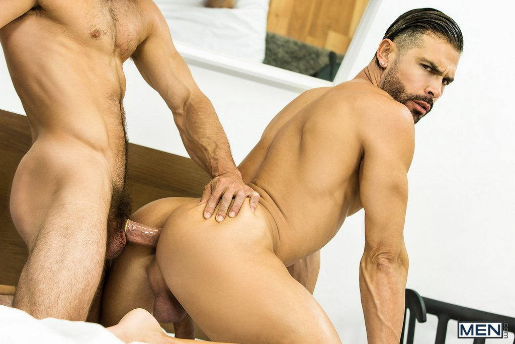 Muscular Bottom Gets Fucked by Paddy 04