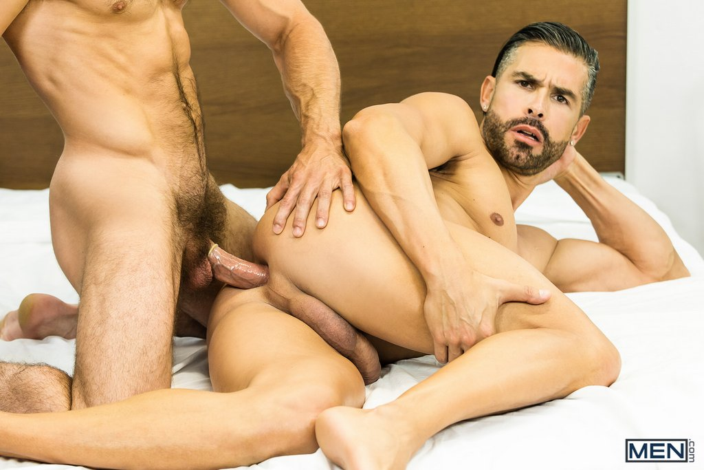 Muscular Bottom Gets Fucked by Paddy 06