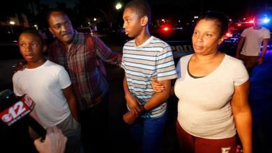 Un jeune haïtien parmi les survivants de la fusillade aux Etats Unis. Photo VOA Kreyòl
