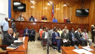 Lors dune séance ce jeudi au Sénat de la République le Premier ministre Jack Guy Lafontant accompagné de son cabinet ministériel