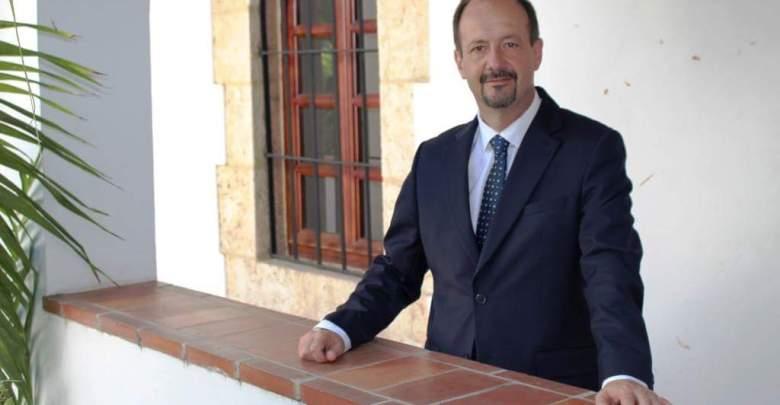M. José Gomez Photo Ambassade de France
