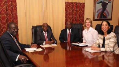 Lambassadeur des Etats Unis auprès de lONU Kelly Craft accompagnée de lambassadeur américaine accréditée en Haïti Michèle Sison lors de la rencontre avec le Président Jovenel Moïse
