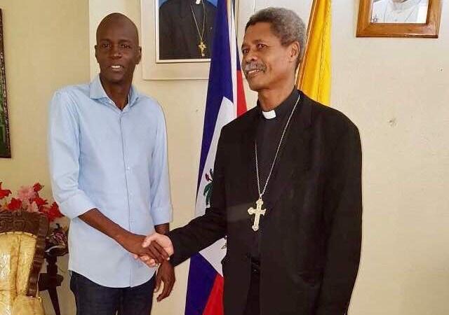 Le Président Jovenel Moïse s'entretient avec le responsable de l'église catholique dans la Grand'Anse…