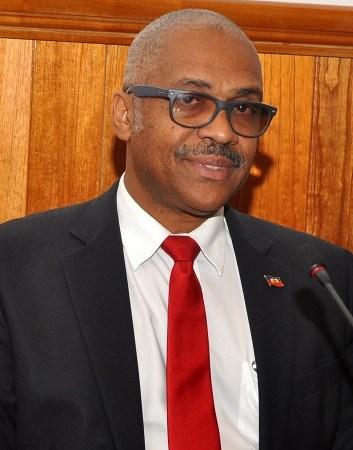 Haïti-Politique : Des compagnies de téléphonie dénoncées, le PM invité au Parlement