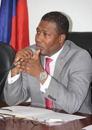 Haïti-Justice: le Parquet lance un mandat d'amener contre Camille Édouard Junior